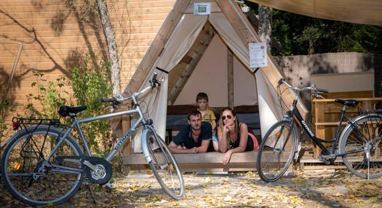 Camping Sites Et Paysages Les Saules Cheverny Tente Parent Famille