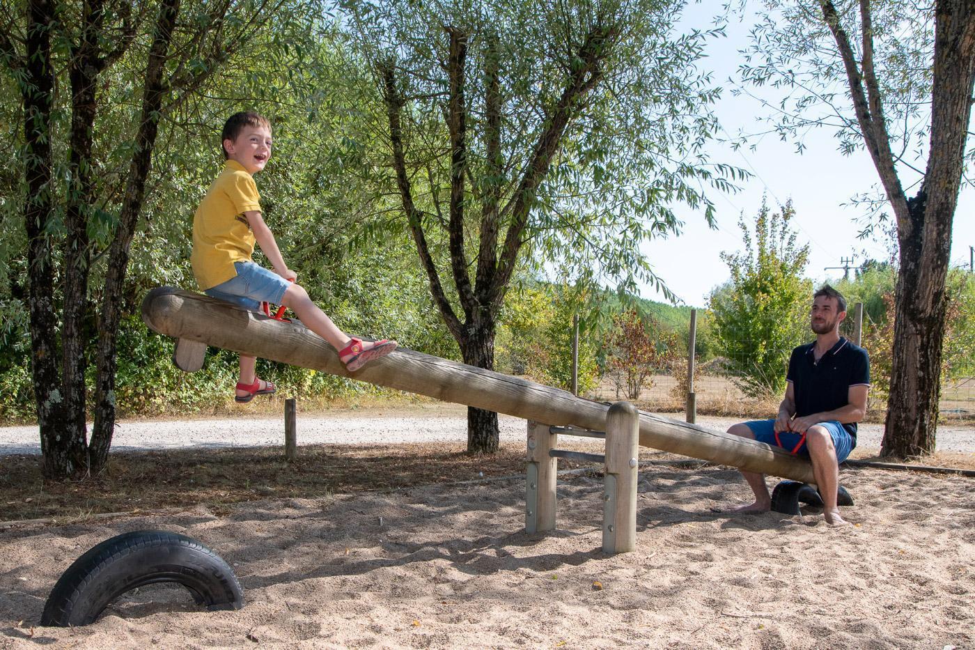 Camping Sites Et Paysages Les Saules Cheverny Activite Parcours Balançoire