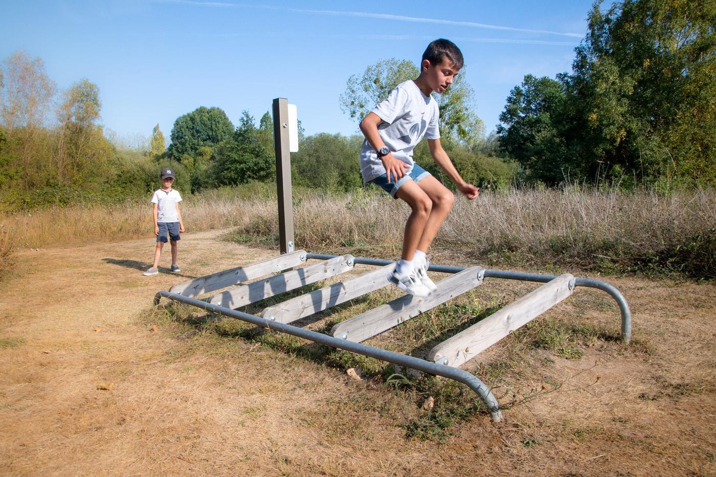 Camping Sites Et Paysages Les Saules Cheverny Activite Parcours Fun