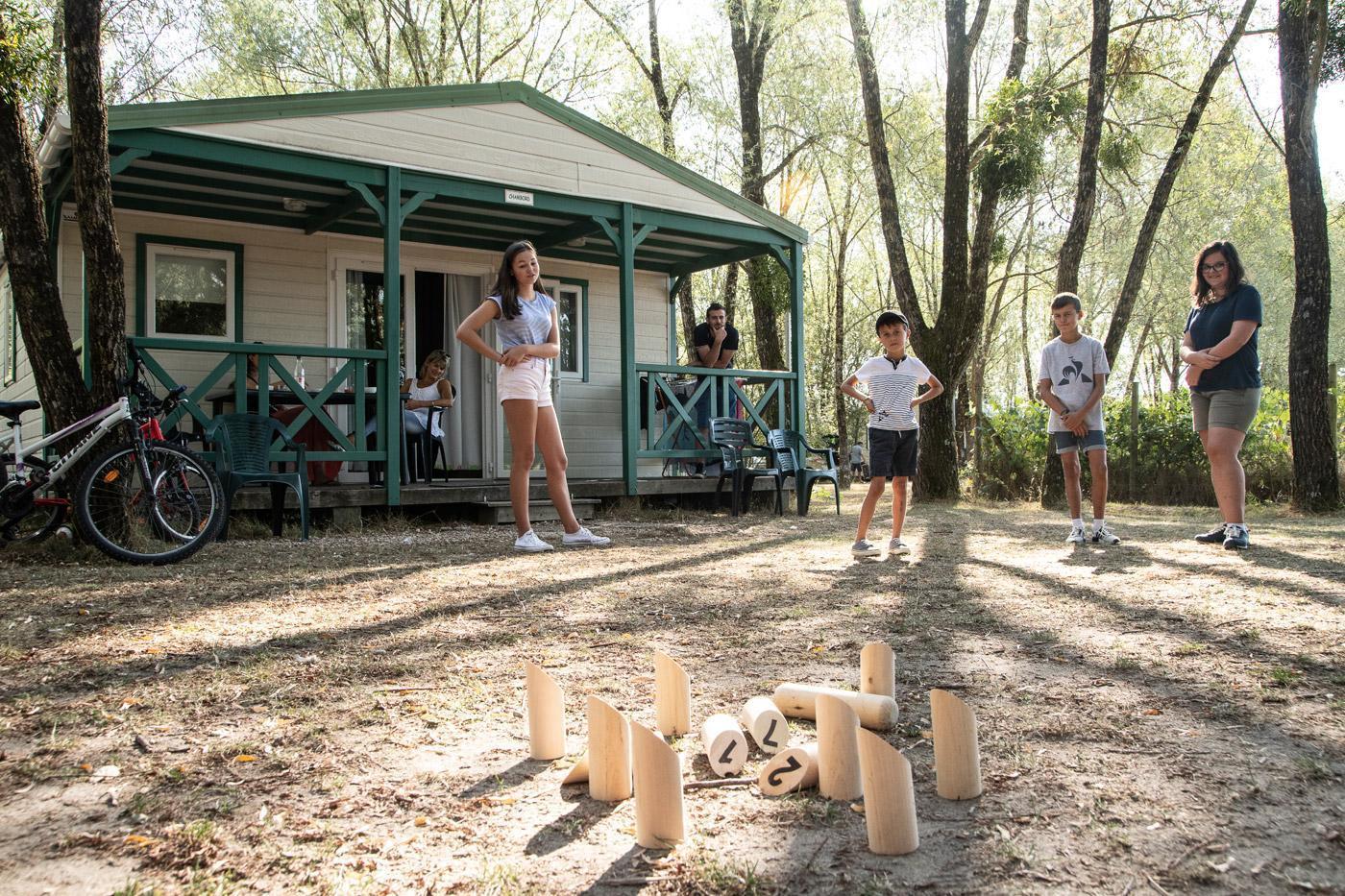 Camping Sites Et Paysages Les Saules Cheverny Jeux 1