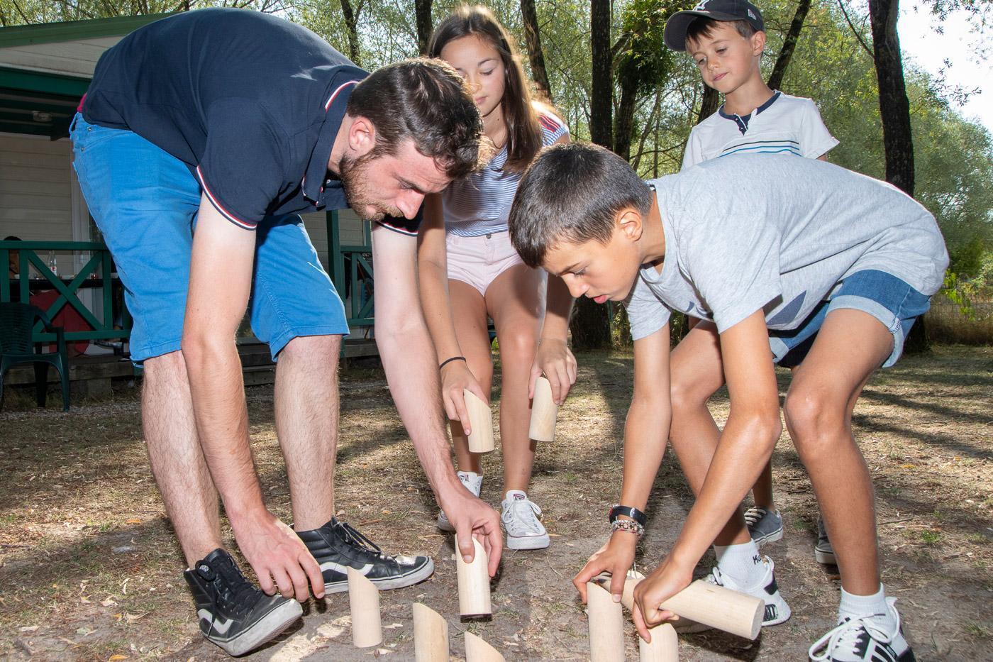 Camping Sites Et Paysages Les Saules Cheverny Jeux Quilles