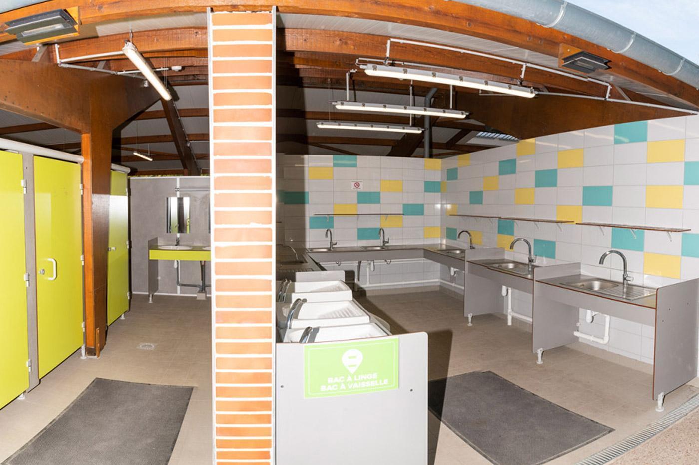 Camping Sites Et Paysages Les Saules Cheverny Sanitaire Confort (1)