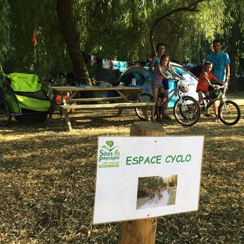Espace Cyclo Camping Sites Et Paysales Les Saules à Cheverny Loire Valley